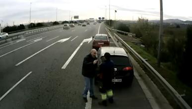 Pique entre dos conductores en la A-2