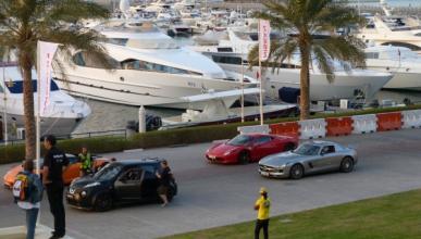 Nissan Juke-R Vs Lamborghini Gallardo, Ferrari 458 y Mercedes SLS AMG en Dubai