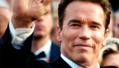 Schwarzenegger defiende los vehículos ecológicos en Ginebra