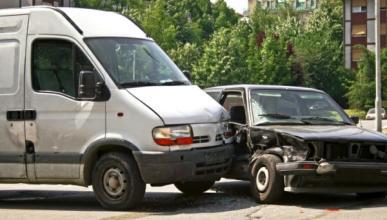 Absuelto un conductor ebrio que chocó con cuatro coches