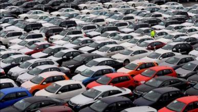 Las matriculaciones de coches caen un 20,3% en noviembre