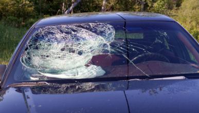 Un expolicía, perseguido y golpeado por un conductor 'loco'