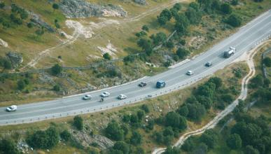 Velocidad máxima en vías secundarias: 90 km/h en primavera