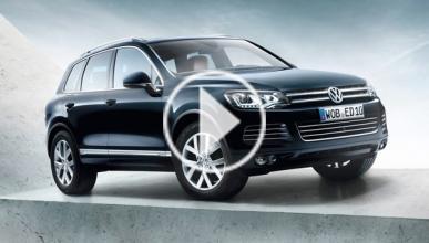 Un Volkswagen Touareg se hunde en el hielo