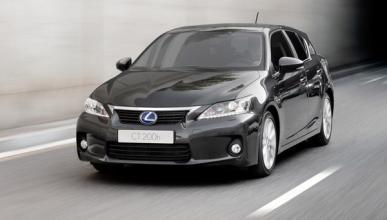 El SUV compacto de Lexus, ¡cazado 'disfrazado' de CT200h!