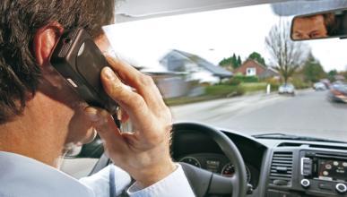 En una semana, 3.263 personas multadas por usar el móvil