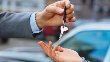 Denuncian abusos en empresas de alquiler de vehículos