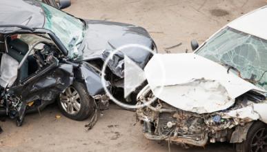 Un Chevrolet Matiz choca y 'vuela' en Taiwan