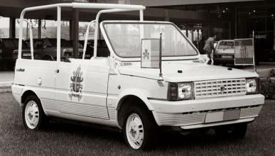 El Papa Francisco pide coches humildes para servir a Dios