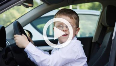 Un niño de 10 años salva a su abuela dormida al volante