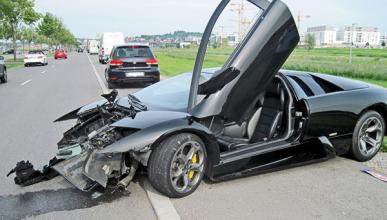 Un Lamborghini Murcielago destrozado por su vendedor
