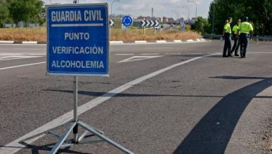 Miguel Ángel Rodríguez entrega su carné en los juzgados