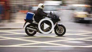 Un motorista graba cómo es disparado el ladrón de su moto