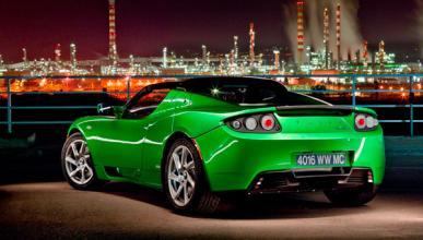 """George Clooney vende su Tesla Roadster por """"poco fiable"""""""