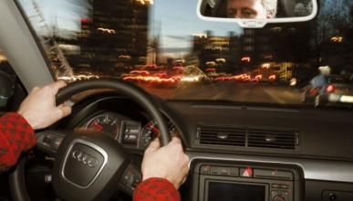 Crean un sistema para mantener despiertos a los conductores