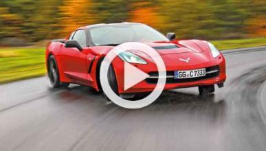Vídeo: enseña a su hija a 'quemar rueda' con un Corvette