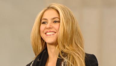 Piqué regala a Shakira un Mercedes SLK de 48.000 euros