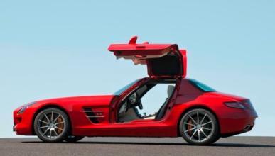 Mercedes SLS cuatro puertas. Y no, no es broma
