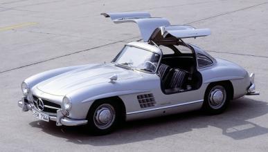 Mercedes destruye una réplica ilegal del 300 SL