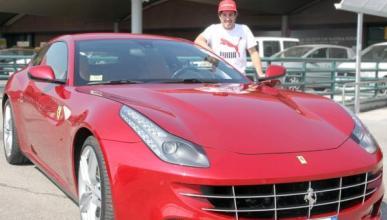 Fernando Alonso llegó a Maranello en un Ferrari FF