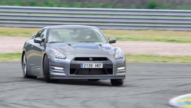Delantera del Nissan GT-R 2012