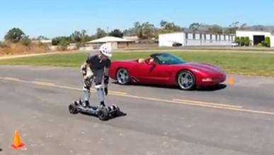 Un monopatín eléctrico bate a un Corvette en aceleración