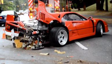 Un Ferrari F40 destrozado tras un accidente