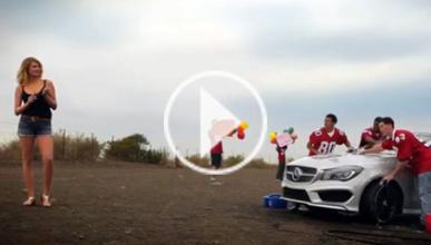 Mercedes adelanta su spot con Kate Upton de la Super Bowl