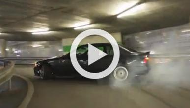 Vídeo: subiendo de lado la rampa de un garaje