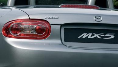 Los nuevos Mazda MX-5 y Alfa Romeo Spider, descubiertos