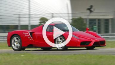 El poder del Ferrari Enzo, a cámara lenta