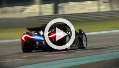 Vídeo: las brutales llamaradas del nuevo McLaren P1