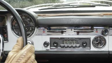 Radio en el coche, una historia de compañía