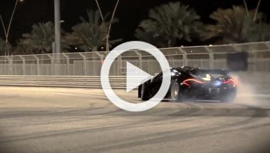 Chris Harris prueba el McLaren P1: de lado... como siempre