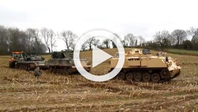 Vídeo: arrastran un tanque de 42 toneladas por un lodazal