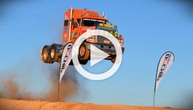El récord de salto para un camión Ford LTL Big Rig