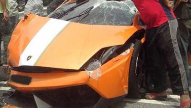 Un Lamborghini Gallardo queda destruido en un accidente