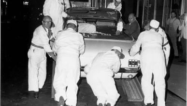 Ford Mustang descapotable en el Empire State