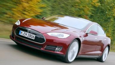 Se compra un Tesla y le gusta tanto que pide otros seis