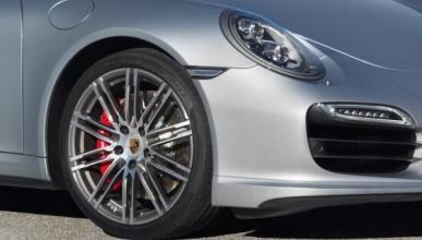 Porsche 911 GTS 2015 y Cabriolet, cazados en Nürburgring