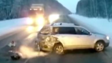 Vídeo: un bebé elude a la muerte en un accidente