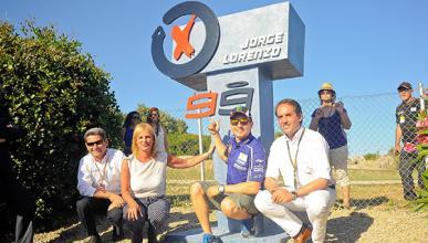 Lorenzo desvela su monumento en el Circuito de Jerez