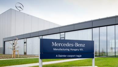Evacúan fábrica de Mercedes (Hungría) por amenaza de bomba