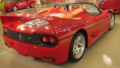 Vídeo: al volante de un Ferrari F50 por carretera abierta