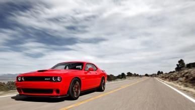 Frontal del Dodge Challenger SRT 2015