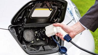 En abril se vendieron 51 coches eléctricos