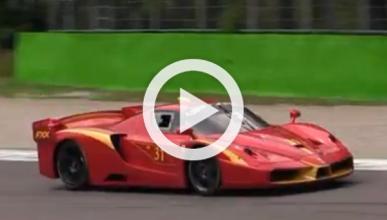Varios Ferrari FXX a fondo en Monza: ¡bestial!
