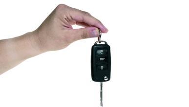 ¿Qué siente un padre cuando su hijo le regala un Mercedes?