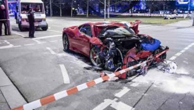 Un Ferrari 458 Speciale se estrella en Reino Unido