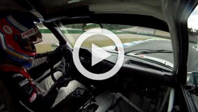 El nuevo BMW M3 se enfrenta a un BMW M3 e30 DTM en circuito